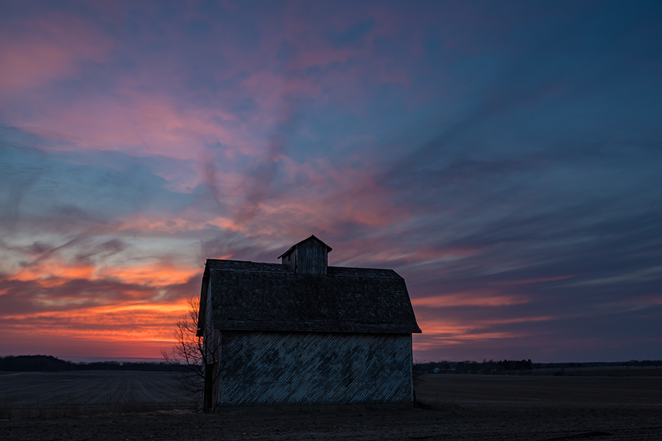 IMG0290_spring_barn_sunset.jpg